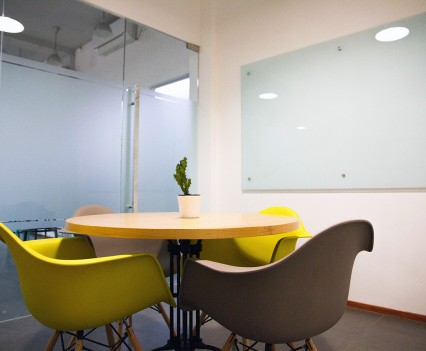 Meeting-room-for-41