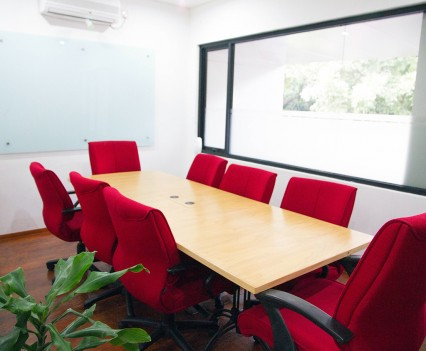 meeting-room-for-8b1